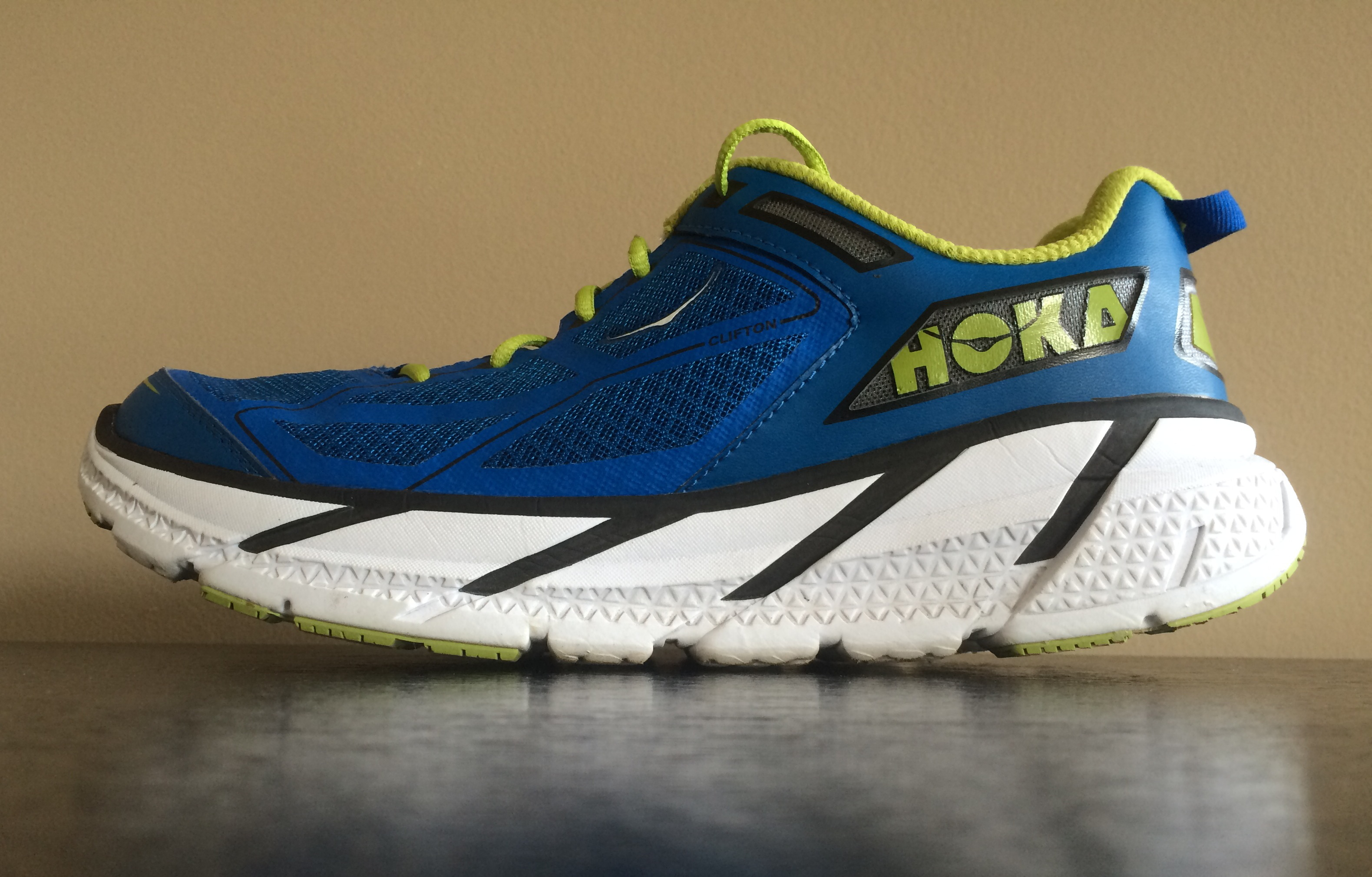 Oka Running Shoes